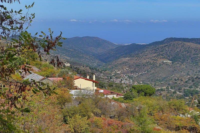 Blick aus dem Troodos-Gebirge in Richtung Meer - Auswandern und Leben auf Zypern