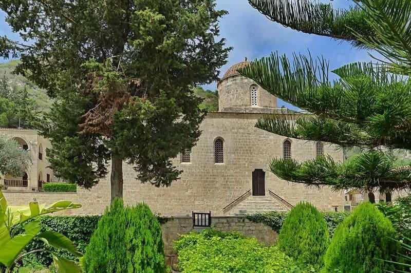 Agios Neofytos in Tala - Auswandern und Leben auf Zypern