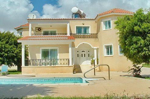 Immobilien auf Zypern: Zypern Villa in Sea Caves im Raum Paphos zur Langzeitmiete - PFL2519