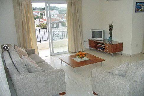 Immobilien auf Zypern: Zypern Villa in Peyia im Raum Paphos zur Langzeitmiete - PFL530