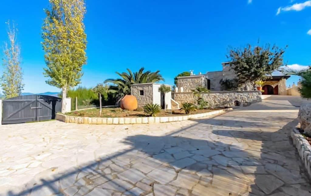 Immobilien auf Zypern: Steinhaus-Villa mit Privatpool in Pano Akourdaleia im Raum Paphos zum Kauf - PFSB173