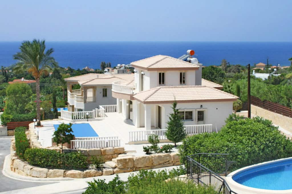 VILLA ZUM KAUF IN SEA CAVES – PFSB211
