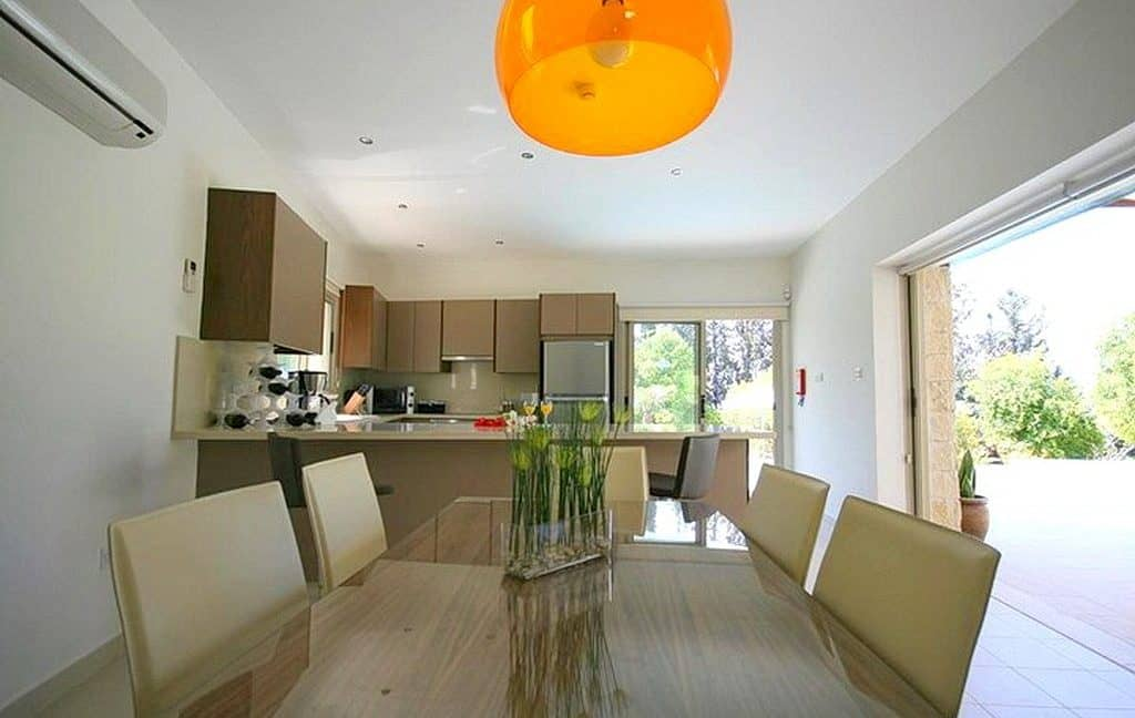 Immobilien auf Zypern: Zypern Villa in Peyia im Raum Paphos zur Langzeitmiete - PRS123
