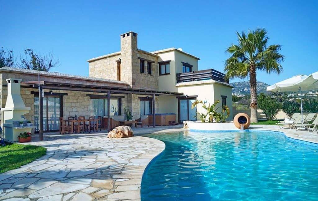 Immobilie zum Kauf auf Zypern: Zypern-Finca mit Infinity-Pool und Meerblick in Peyia - PFSB219