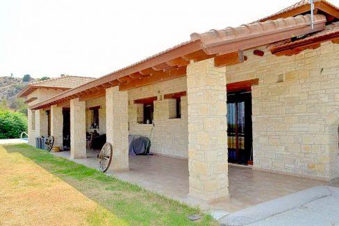 Immobilie zum Kauf auf Zypern: Zypern-Finca mit Privatpool in Nata - PFSB224